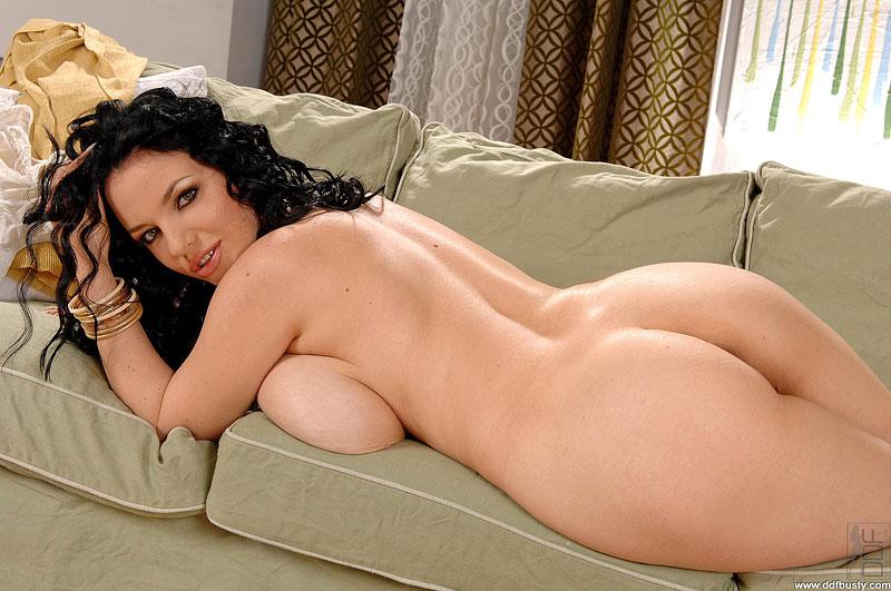 Busty Joanna Bliss