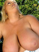 big boobed beauty laura m masturbates in her convertible